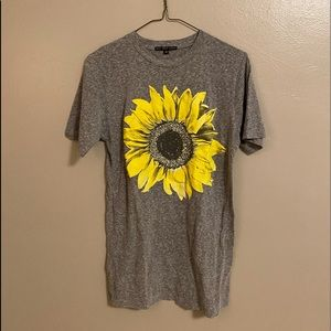 NEVER WORN Urban Outfitters sunflower tshirt